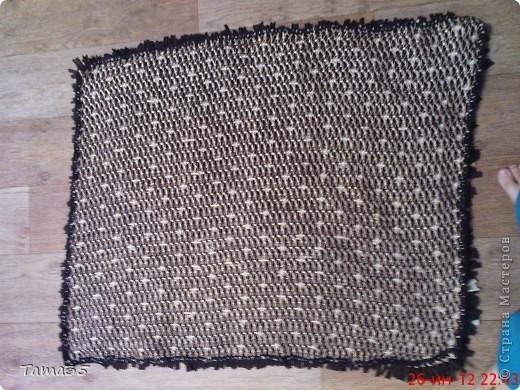 Вот такой небольшой коврик у меня получился. Ушло на него 6метров ткани при ширине 150см. фото 2