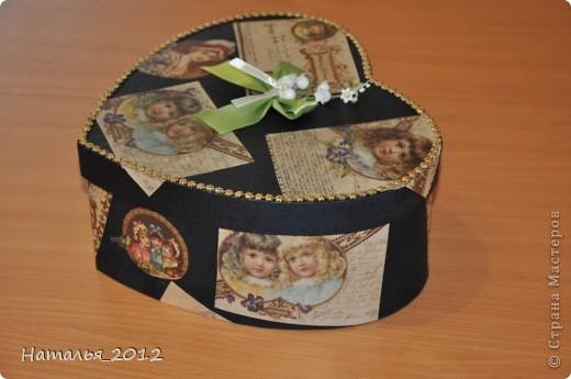 Шкатулка в подарок для племянницы. Была простая коробка из-под чайной пары, стала - шкатулка для заколочек. фото 3
