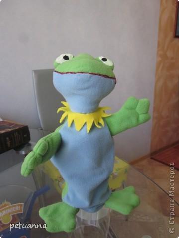 Игрушка-руковичка Лягушка фото 2