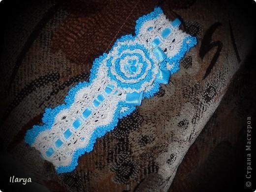Самая простая, быстрая и красивая рукодельная вещь хоть для своей пока еще лысенькой принцессы, хоть в подарок- повязочки. Разного фасона , цвета, в разных техниках. Наша первая повязочка, связанная из ириса, на пол-годика: фото 3