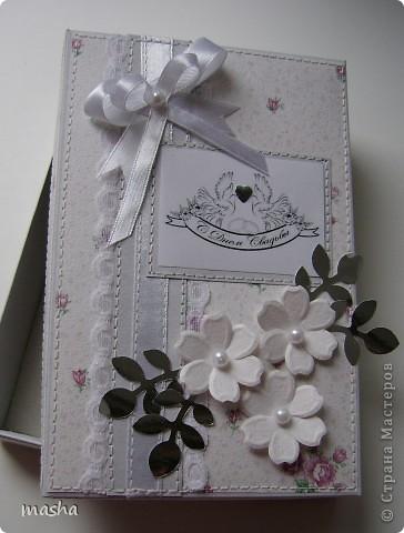 Коробочка, внутри будет конвертик и открыточка- мы с мужем будем поздравлять молодых. фото 2