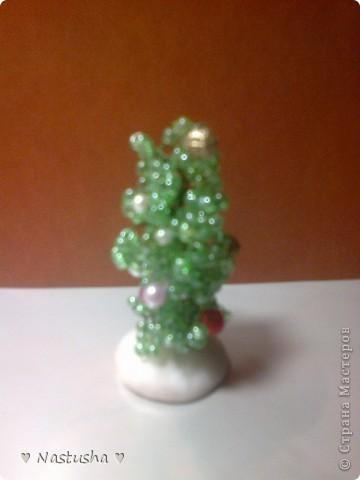 Новогодняя ёлочка из бисера фото 2