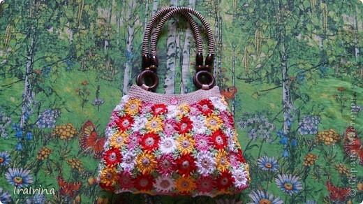 Связала еще одну сумочку для себя. Сумочку увидела на этом сайте http://www.liveinternet.ru/users/4355338/rubric/2164017/page3.html Но ничего не поняла, поэтому вязала по другому, может кому пригодится и мой вариант. фото 1