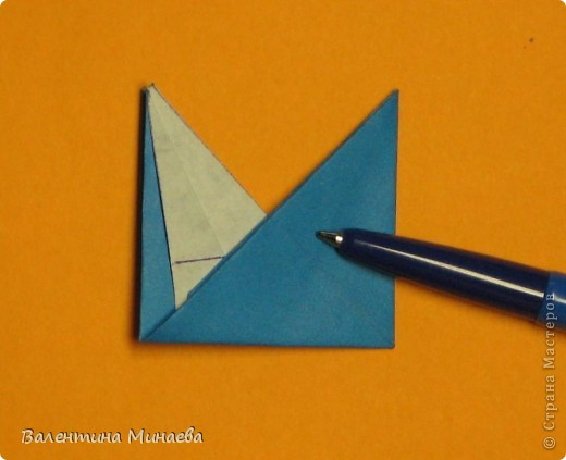 Сегодня МК кусудамы Нептун. Спасибо Юнии за название  этого сонобика.  Нептун (Neptune) автор: Валентина Минаева (Valentina Minayeva) для бумаги с двусторонним эффектом, на тройной сетке 30 модулей 10,0 х 10,0, диаметр - 10,5 см без клея Добавила ссылку на видеосборку модуля кусудамы Нептун: http://www.youtube.com/watch?v=y_MTnvNE-ek&feature=youtu.be  фото 19