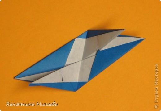 Сегодня МК кусудамы Нептун. Спасибо Юнии за название  этого сонобика.  Нептун (Neptune) автор: Валентина Минаева (Valentina Minayeva) для бумаги с двусторонним эффектом, на тройной сетке 30 модулей 10,0 х 10,0, диаметр - 10,5 см без клея Добавила ссылку на видеосборку модуля кусудамы Нептун: http://www.youtube.com/watch?v=y_MTnvNE-ek&feature=youtu.be  фото 24