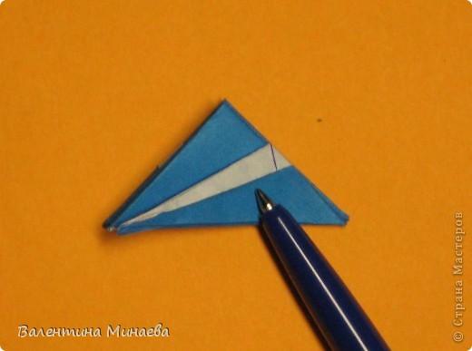 Сегодня МК кусудамы Нептун. Спасибо Юнии за название  этого сонобика.  Нептун (Neptune) автор: Валентина Минаева (Valentina Minayeva) для бумаги с двусторонним эффектом, на тройной сетке 30 модулей 10,0 х 10,0, диаметр - 10,5 см без клея Добавила ссылку на видеосборку модуля кусудамы Нептун: http://www.youtube.com/watch?v=y_MTnvNE-ek&feature=youtu.be  фото 32