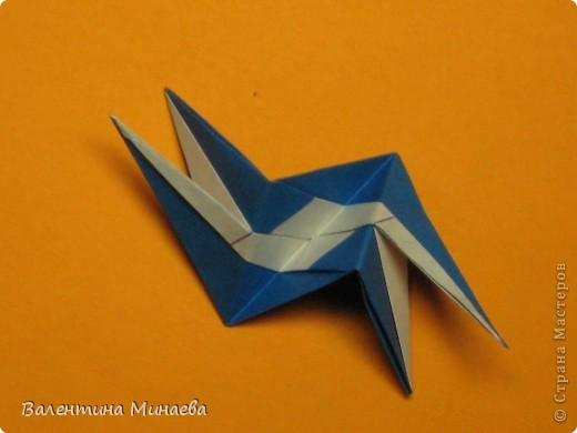 Сегодня МК кусудамы Нептун. Спасибо Юнии за название  этого сонобика.  Нептун (Neptune) автор: Валентина Минаева (Valentina Minayeva) для бумаги с двусторонним эффектом, на тройной сетке 30 модулей 10,0 х 10,0, диаметр - 10,5 см без клея Добавила ссылку на видеосборку модуля кусудамы Нептун: http://www.youtube.com/watch?v=y_MTnvNE-ek&feature=youtu.be  фото 33