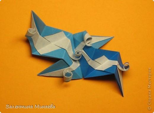 Сегодня МК кусудамы Нептун. Спасибо Юнии за название  этого сонобика.  Нептун (Neptune) автор: Валентина Минаева (Valentina Minayeva) для бумаги с двусторонним эффектом, на тройной сетке 30 модулей 10,0 х 10,0, диаметр - 10,5 см без клея Добавила ссылку на видеосборку модуля кусудамы Нептун: http://www.youtube.com/watch?v=y_MTnvNE-ek&feature=youtu.be  фото 38