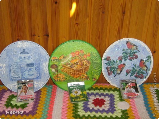 Подарки бабушкам на 8 марта.Они их численники называют.Использованы старые пластинки фото 1
