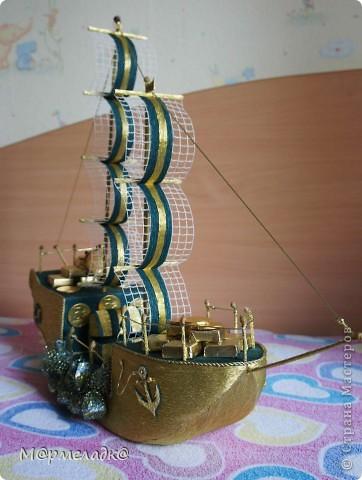 Здравствуйте ))). Мой первый корабль такого плана. Делала на заказ для парня на окончание техникума. Получился серьезным, без излишеств.  фото 11