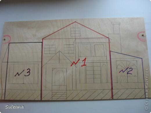 Доброго времени суток всем, кто зашел на мою страничку и посетил мастер класс по созданию архитектурных сооружений. Я приложу максимум усилий, чтоб тщательней объяснить процесс работы, хотя делаю это в первый раз, отвечу на любые вопросы и дам индивидуальные разъяснения. Сегодня, я хочу рассказать вам, как сотворить дом своей мечты, пусть и картонный, зато самый настоящий. Работа проста, но кропотлива, затягивает, завораживает и не дает остановиться.  Мы все с детства знакомы с кубиками, так вот, эти работы выполнены из блоков и сегментов, а основой служит гофрированный картон, т.е те самые коробки, которые мы тащим на помойку. Что касается декора здания, то это уж дело вашего вкуса.  И так начнем.... фото 4