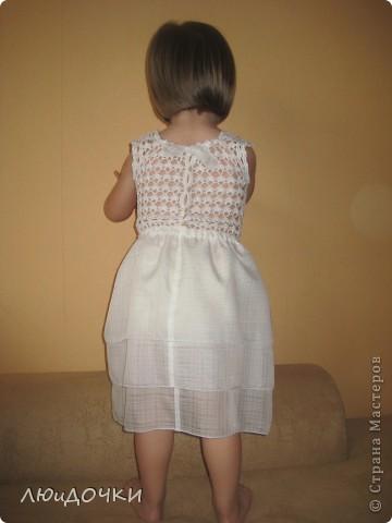 Связала сарафан старшей дочке. Что-то она постеснялась позировать. фото 9