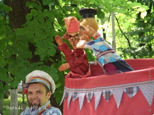 Друзья! Приглашаем вас на прогулку по центру Ярославля. Давайте понаблюдаем за работой уличных театров. 23 июня в нашем городе прошел I Международный фестиваль уличных театров. Тише! Мимы спят. фото 8