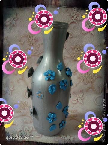 Вазочка декорирована макаронными изделиями, цветочками из пластики и бусинками. фото 2