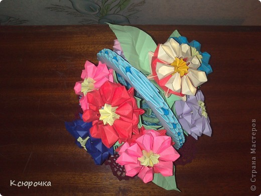Просто вазочка с цветами. фото 5
