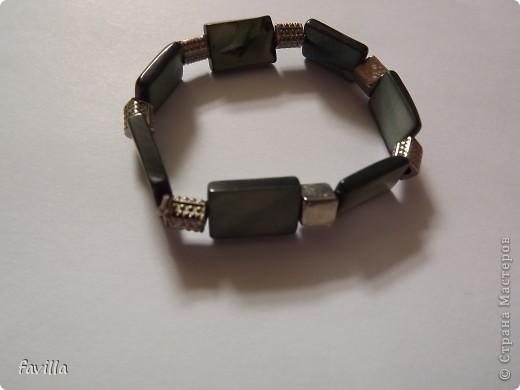 6 пар сережек, 1 браслет и подставка для сережек фото 7
