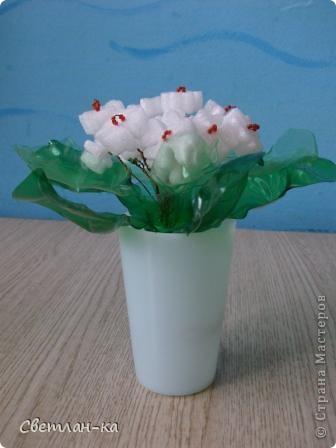 Нашла пенопласт очень похожий на цветочки и у меня получился такой букет. фото 3
