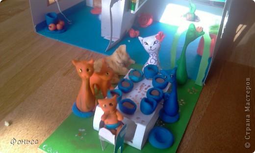 Добрый вечер! Семейка кошек хочет рассказать вам о себе - они любят делать свечи, выращивать цветы и лаподельничать! А как они живут вы узнаете прямо сейчас! фото 12