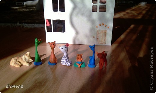 Добрый вечер! Семейка кошек хочет рассказать вам о себе - они любят делать свечи, выращивать цветы и лаподельничать! А как они живут вы узнаете прямо сейчас! фото 21