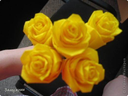 Планирую сделать корзинку из желтых роз маме. Она очень любит именно желтые розы. вот заготовки этих роз)