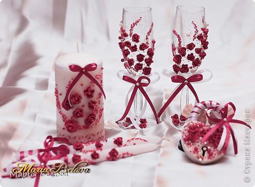 Невеста выбрала бордовый цвет под зал где будут отмечать свое торжество  фото 1