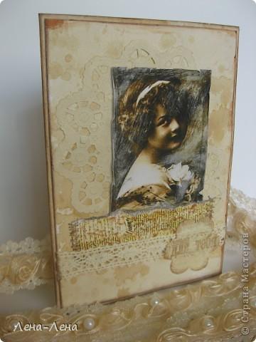 """Эту работу хочу назвать """"Чайные розы"""". Почему чайные? Да потому, что заготовка для этой открыточки и салфетка состарены в чае. Получились розы в чае, но красивее чайные розы. Вот они:  фото 5"""