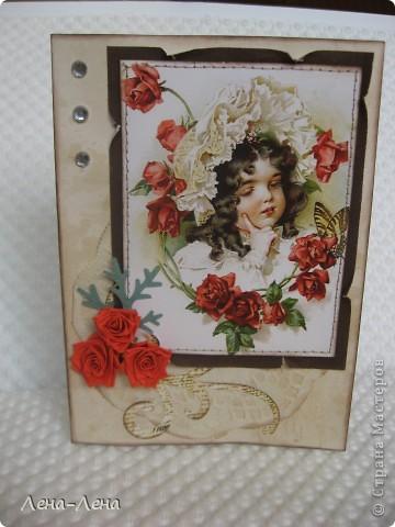 """Эту работу хочу назвать """"Чайные розы"""". Почему чайные? Да потому, что заготовка для этой открыточки и салфетка состарены в чае. Получились розы в чае, но красивее чайные розы. Вот они:  фото 1"""
