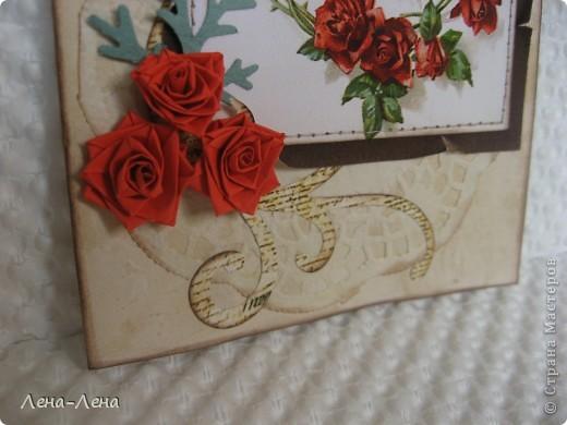 """Эту работу хочу назвать """"Чайные розы"""". Почему чайные? Да потому, что заготовка для этой открыточки и салфетка состарены в чае. Получились розы в чае, но красивее чайные розы. Вот они:  фото 4"""