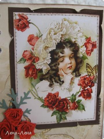 """Эту работу хочу назвать """"Чайные розы"""". Почему чайные? Да потому, что заготовка для этой открыточки и салфетка состарены в чае. Получились розы в чае, но красивее чайные розы. Вот они:  фото 3"""