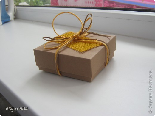 Подарочная коробочка в форме кусочка тортика фото 4