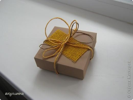Подарочная коробочка в форме кусочка тортика фото 3