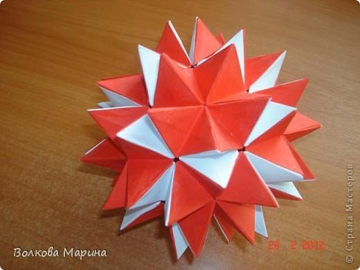Наконец-то решила показать свои работы по оригами. Делала их давно. Люблю складывать из бумаги. Для меня это своеобразные головоломки. А всякого рода головоломки я очень люблю. За это время набралась вот такая коллекция. фото 20