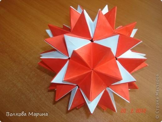 Наконец-то решила показать свои работы по оригами. Делала их давно. Люблю складывать из бумаги. Для меня это своеобразные головоломки. А всякого рода головоломки я очень люблю. За это время набралась вот такая коллекция. фото 21