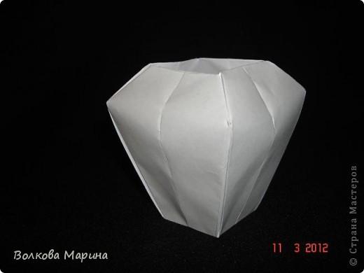 Наконец-то решила показать свои работы по оригами. Делала их давно. Люблю складывать из бумаги. Для меня это своеобразные головоломки. А всякого рода головоломки я очень люблю. За это время набралась вот такая коллекция. фото 14