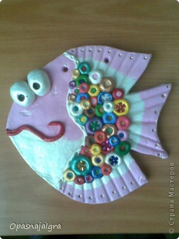 Очень понравились работы здешних мастериц с  рыбками!Прямо влюбилась в них(в рыбок)!Решила попробовать себя в рыбной технике и вот,что получилось!Такая вот гламурная рыбка-повторюшка)))Спасибо за внимание! фото 2