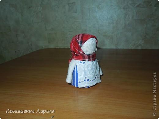 """Представляю вам свою коллекцию обрядовых,обереговых и игровых кукол.  Кукла """"Красота"""" - это обрядовая кукла,её шили специально для свадьбы,ставили на большой поднос и обносили гостей,собирая дары. Использовали ткани ,нитки ,ленты исключительно красного цвета. фото 12"""