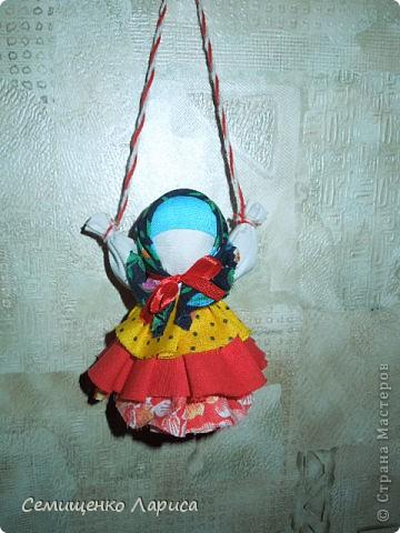 """Представляю вам свою коллекцию обрядовых,обереговых и игровых кукол.  Кукла """"Красота"""" - это обрядовая кукла,её шили специально для свадьбы,ставили на большой поднос и обносили гостей,собирая дары. Использовали ткани ,нитки ,ленты исключительно красного цвета. фото 10"""
