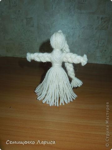 """Представляю вам свою коллекцию обрядовых,обереговых и игровых кукол.  Кукла """"Красота"""" - это обрядовая кукла,её шили специально для свадьбы,ставили на большой поднос и обносили гостей,собирая дары. Использовали ткани ,нитки ,ленты исключительно красного цвета. фото 9"""
