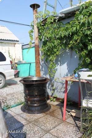 Муж смастерил печь. Из диска от колеса КАмаза. И в поиске плова на открытом огне попала в блог cook.mihalko , где всё было расписано от и до.... кроме плова, много интересных и лёгких блюд - http://stranamasterov.ru/node/377618?c=favorite. cook.mihalko ,спасибо огромное за рецепт! Ну а теперь немного о нашей печки - по фотографиям,я думаю, поймёте как её изготовить.... фото 1