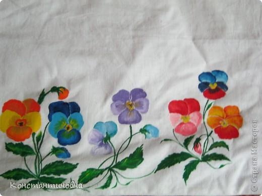 простая,клетчатая,скучная.вспомнила я что в коробке от джинсов куски лежат,(выкидывать ничего нельзя)на просторах инета встретила такие цветочки.И вот красиво,нарядно. фото 5