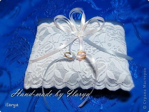Декор предметов Свадьба Шитьё Wedding Hand-made подушечки для колец Бисер Бусинки Клей Кружево Ленты Ткань фото 6.