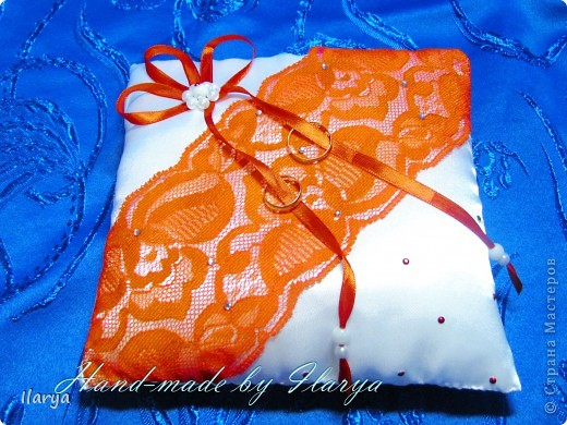 Декор предметов Свадьба Шитьё Wedding Hand-made подушечки для колец Бисер Бусинки Клей Кружево Ленты Ткань фото 4.