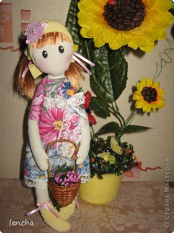 Здравствуйте, мои дорогие жители Страны Мастеров!!!!!!!!! Сегодня я к вам совсем не с топиарием, а с новой куколкой. Это девочка-Леночка по мотивам Вулкотт, за выкройку и МК огромное спасибо Наташе http://stranamasterov.ru/user/128221!!! фото 1