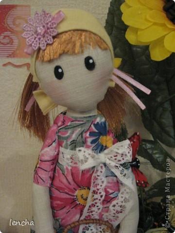 Здравствуйте, мои дорогие жители Страны Мастеров!!!!!!!!! Сегодня я к вам совсем не с топиарием, а с новой куколкой. Это девочка-Леночка по мотивам Вулкотт, за выкройку и МК огромное спасибо Наташе http://stranamasterov.ru/user/128221!!! фото 4