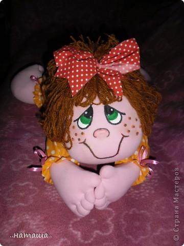 Добрый день или вечер!!! Нашла в интернете вот такую забавную куколку.Шьётся легко и быстро. Мне очень понравилась, может и вам пригодится. У меня получилась ростом см50.http://rucodelie.0bb.ru/viewtopic.php?id=264 фото 2
