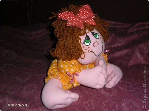 Добрый день или вечер!!! Нашла в интернете вот такую забавную куколку.Шьётся легко и быстро. Мне очень понравилась, может и вам пригодится. У меня получилась ростом см50.http://rucodelie.0bb.ru/viewtopic.php?id=264 фото 4
