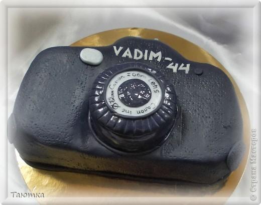 Тортик в виде фотоаппарата в подарок фотографу)