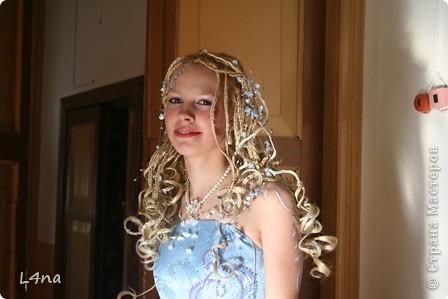 Этот образ рождался в течении года... Мы оттолкнусь от цвета волос модели. Надо сказать что от природы цвет волос у моей младшей дочери светло русый, но её сценический образ заставлял нас в течении многих лет придерживаться имиджа кареглазой блондинки :). Вот отсюда  и возникла мысль о нежно голубом платье. фото 2