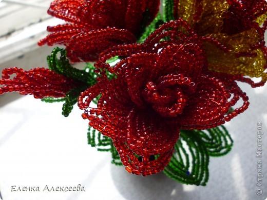 У моей свекрови день рождения. Муж попрасил сделать ей розы, а времени в обрез, да еще мой 4-х месячный сынок после прививки капризничает, пришлось изобретать ускоренный вариант))))) фото 3