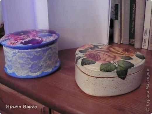 Такие вот вышли две шкатулки. В синих тонах - из МДФ, с розами - из дерева.  фото 1